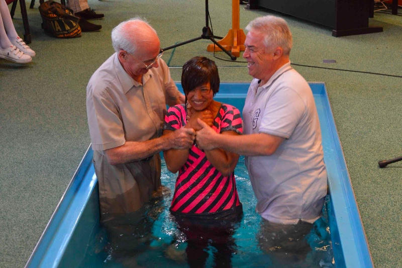 believers baptism There are few subjects more controversial, more divisive or more abused in  christendom today than the doctrine of baptism by many.
